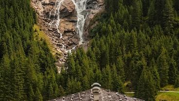 グラワの滝/