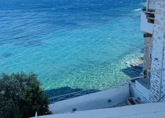 إرموبولي, اليونان