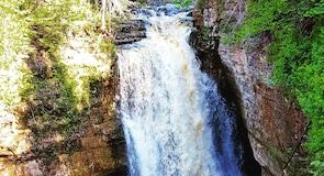 邁納斯瀑布