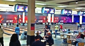 Bowlingové centrum ACME Bowl