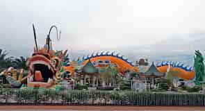 Dragón de la fortuna en Yong Peng, Johor