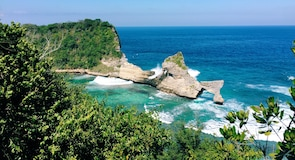 Praia de Atuh