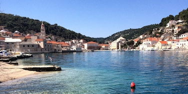 Takin a #roadtrip on the island of Brač and found this little gem called Milna 😍