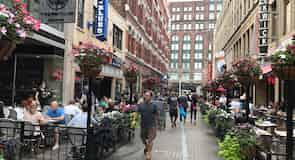 Іст-Форс-стрит (Східна 4-та вулиця)