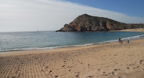 Santa Maria Beach (пляж)
