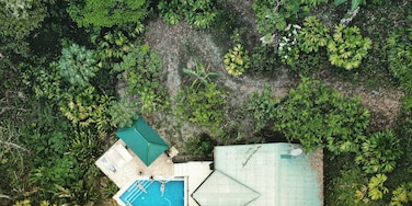 An amazing house in the middle of the jungle next to the Manuel Antonio National Park. Found this gem using HomeAway.com. Photo taken with the DJI Mavic Air. #LifeAtExpedia