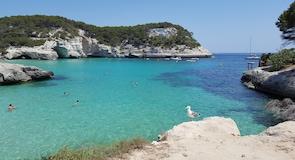 Pantai Cala Mitjana