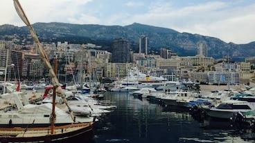 Monacos