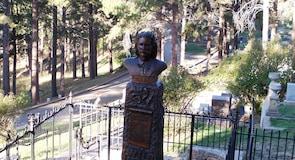 摩利亞山墓園