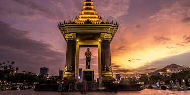 Independence Monument, Phnom Penh, Cambodia  #StunningStructures