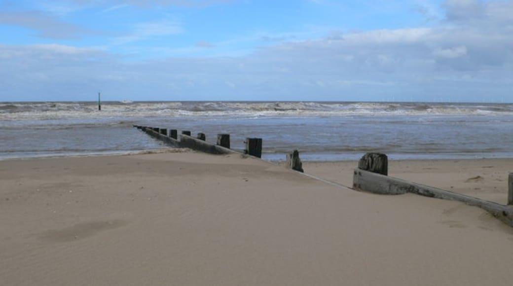 """Foto """"Rhyl Beach"""" von Eirian Evans (CC BY-SA)/zugeschnittenes Original"""