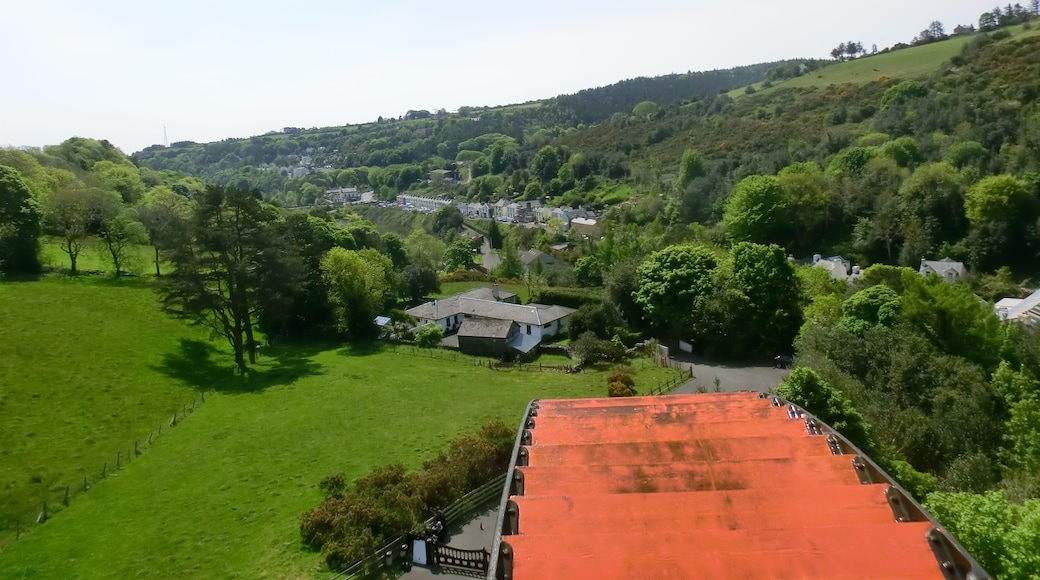 """Photo """"Laxey Wheel"""" by Lobster1 (CC BY-SA) / Cropped from original"""