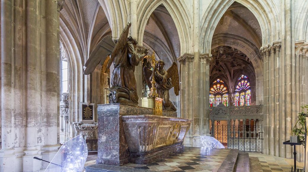 «Église Saint-Jacques», photo de Raymond (CC BY-SA) / rognée de l'originale