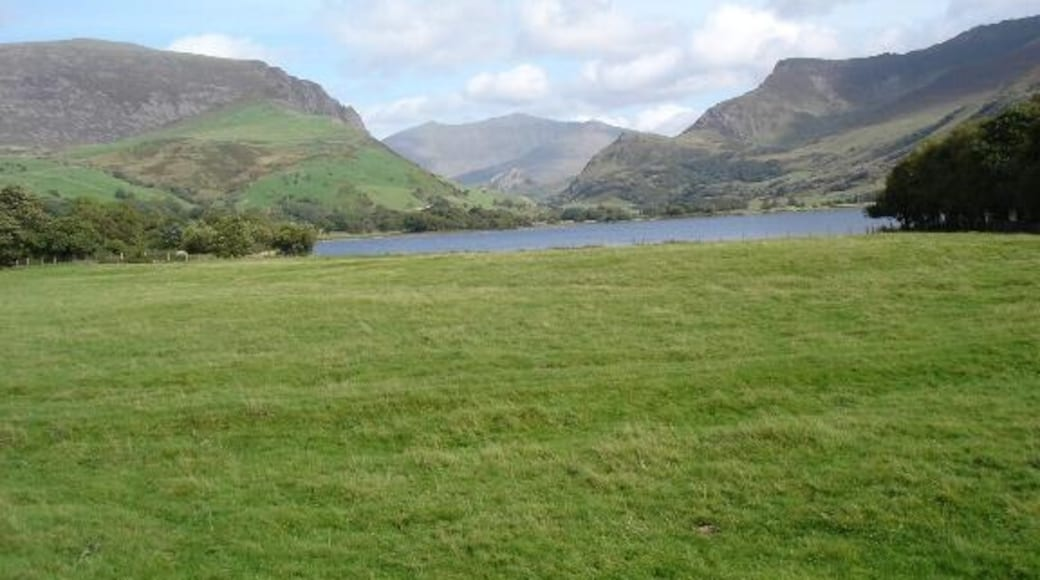 """Photo """"Nantlle"""" by Dot Potter (CC BY-SA) / Cropped from original"""