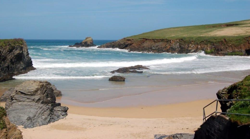"Photo ""Trevone Bay Beach"" by Andy F (CC BY-SA) / Cropped from original"