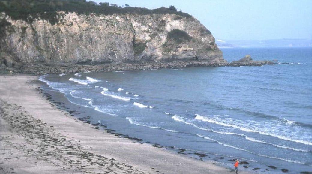 """Photo """"Porthpean Beach"""" by Trevor Rickard (CC BY-SA) / Cropped from original"""