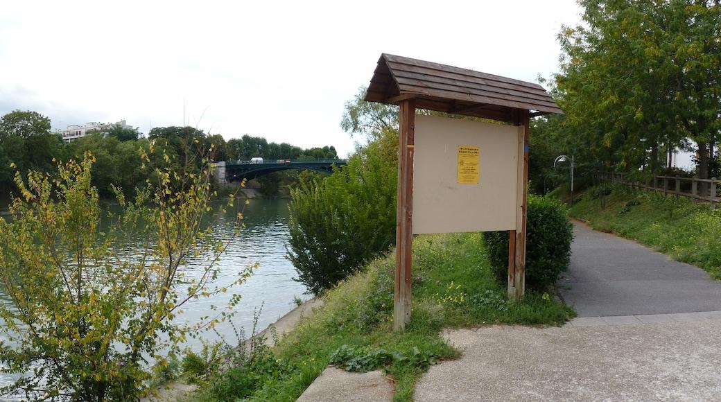 «Champigny-sur-Marne», photo de Romain.D.C (CC BY) / rognée de l'originale