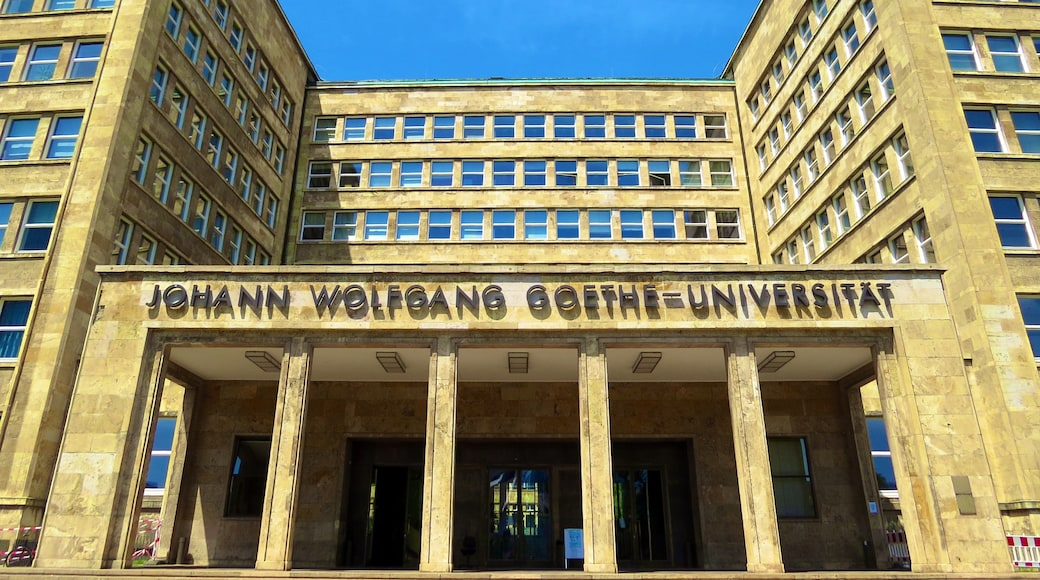 "Photo ""Goethe University Frankfurt"" by Kiefer. (CC BY-SA) / Cropped from original"