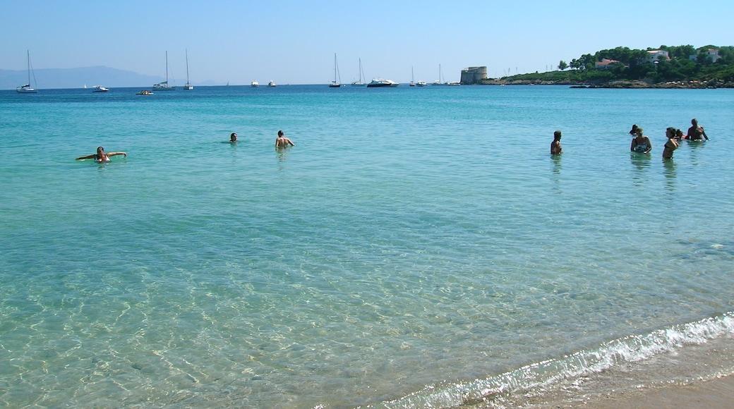 """ภาพ """"หาด Lazzaretto"""" โดย Silvia Franceschetti (CC BY-SA) / ตัดภาพจากขนาดต้นฉบับ"""