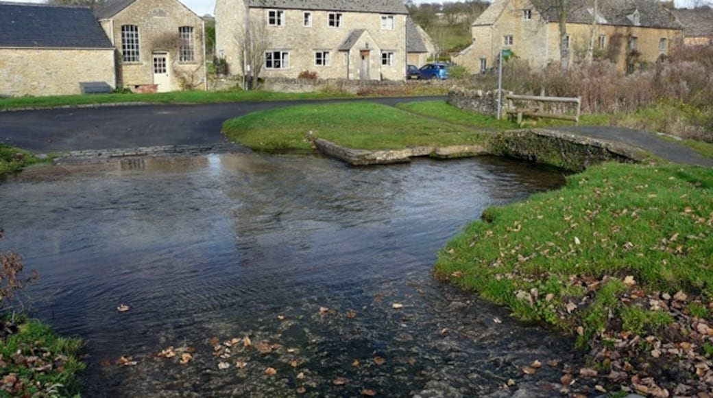"""Photo """"Upper Slaughter"""" by Graham Taylor (CC BY-SA) / Cropped from original"""