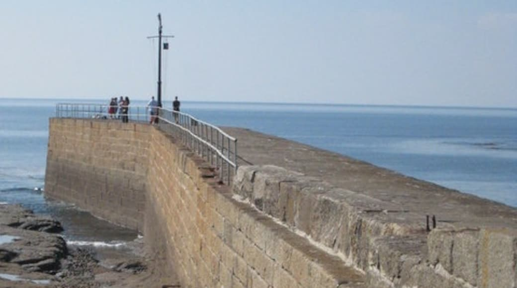 """Photo """"Porthleven Beach"""" by Rod Allday (CC BY-SA) / Cropped from original"""