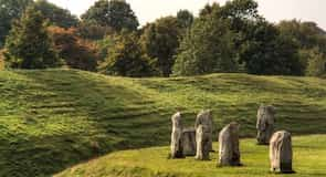 Kamenný megalitický monument v Avebury