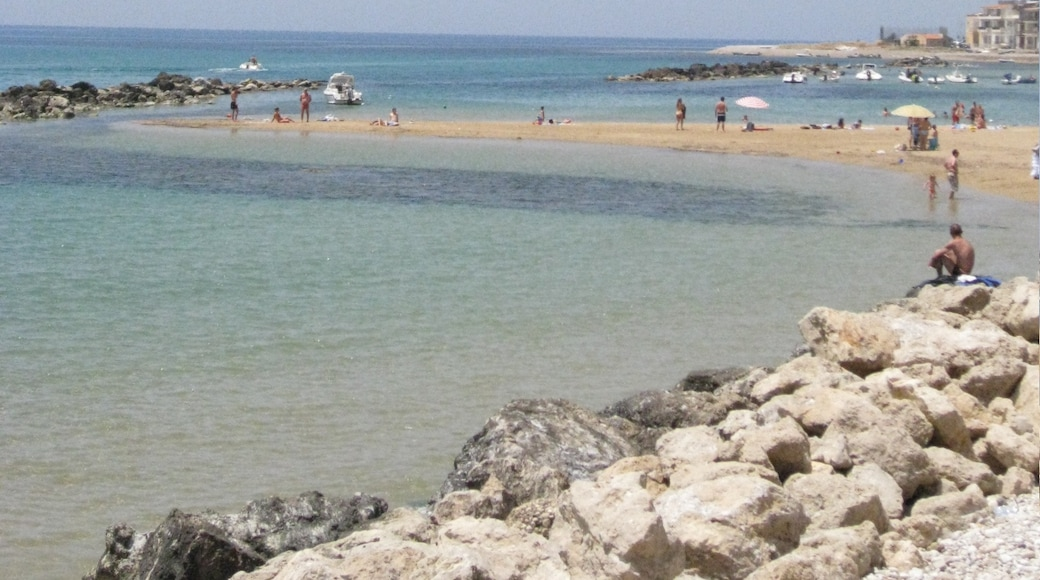 """Foto """"Strand von Secca Grande"""" von www.gironavigando.it (CC BY)/zugeschnittenes Original"""