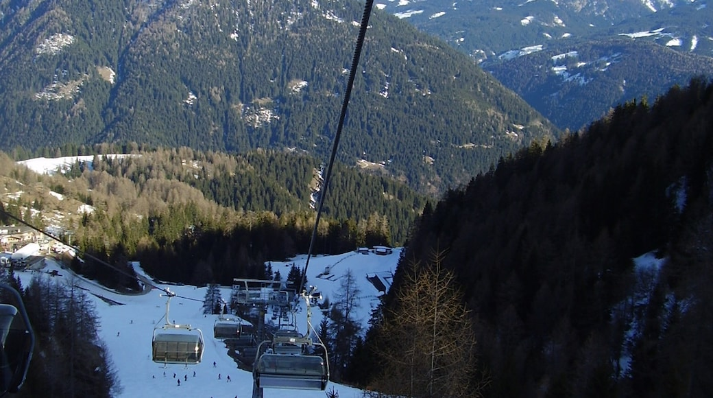 """Foto """"Skizentrum Latemar"""" von zbylig (CC BY-SA)/zugeschnittenes Original"""