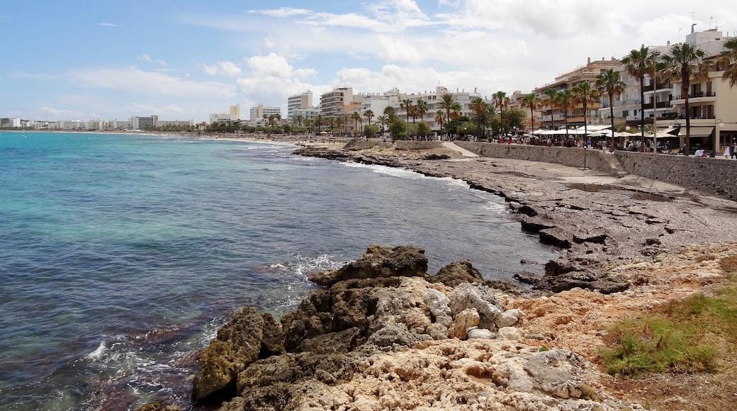 """Foto """"Strand von Cala Millor"""" von Oltau (CC BY)/zugeschnittenes Original"""