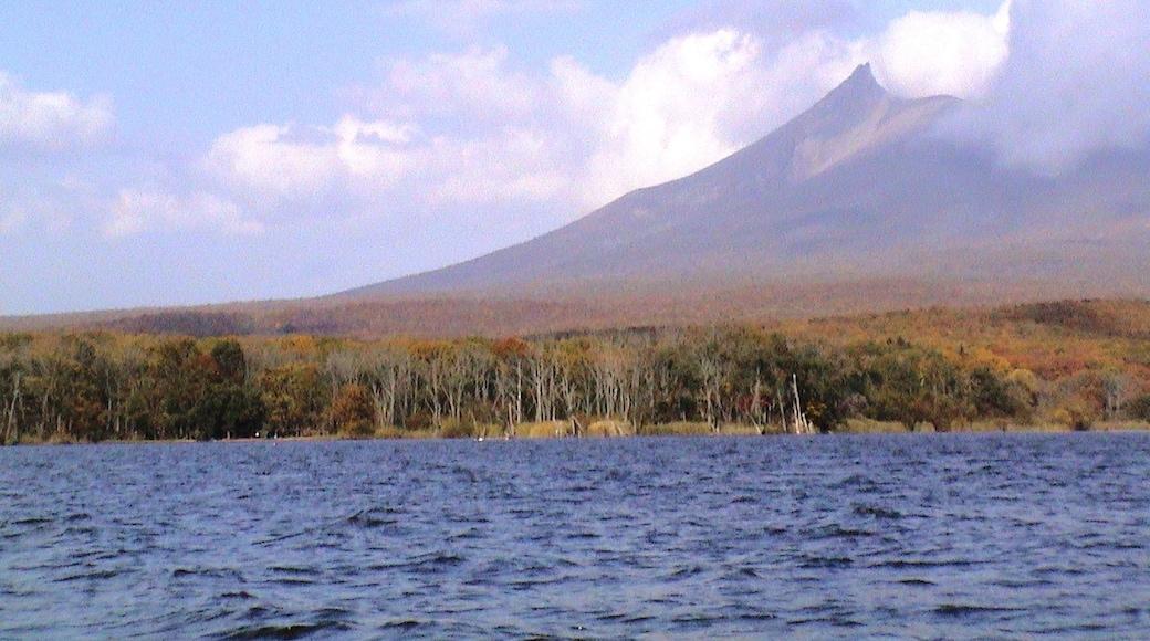 "Photo ""Onuma Quasi-National Park"" by hajime (CC BY) / Cropped from original"