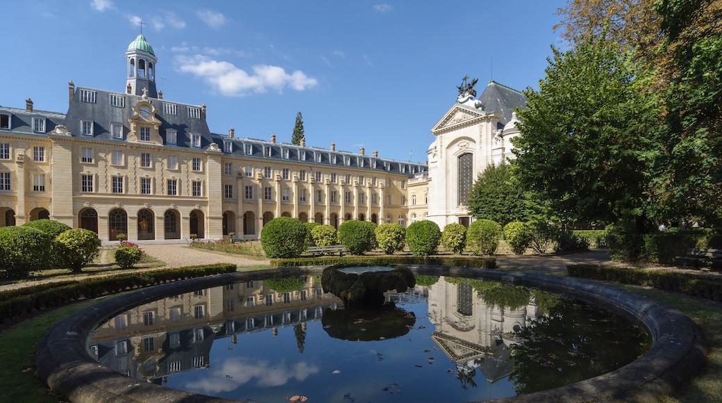 «Issy-les-Moulineaux», photo de Myrabella (CC BY-SA) / rognée de l'originale