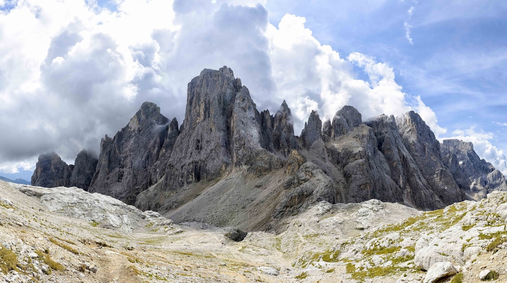 """Foto """"San Martino di Castrozza"""" di Zana64 (page does not exist) (CC BY-SA) / Ritaglio dell'originale"""