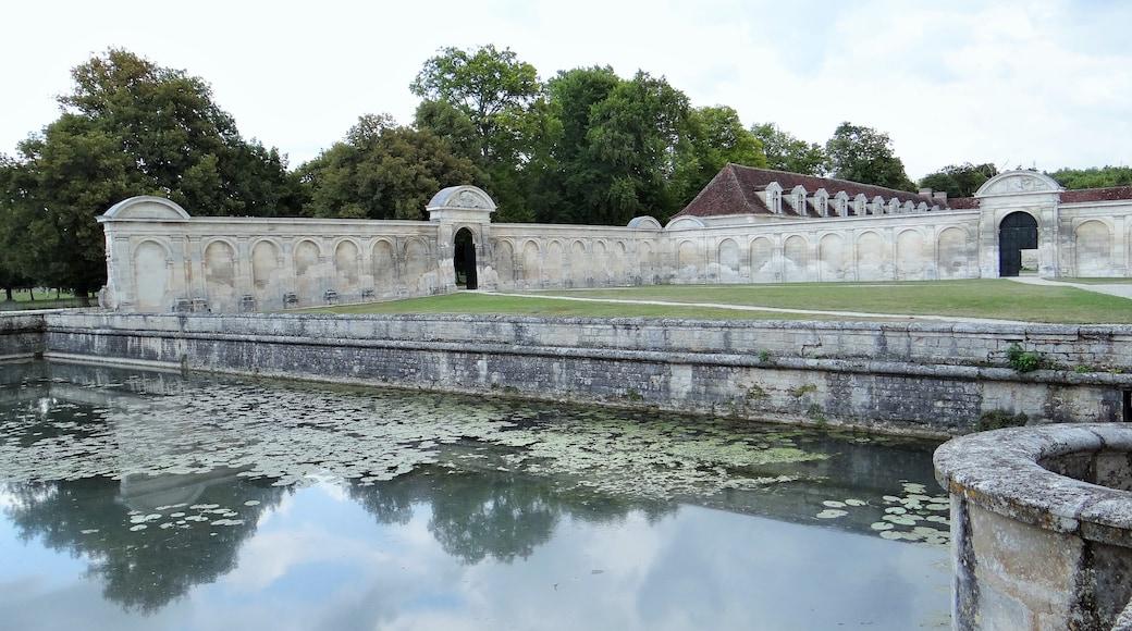 «Château de Tanlay», photo de Ibex73 (CC BY-SA) / rognée de l'originale