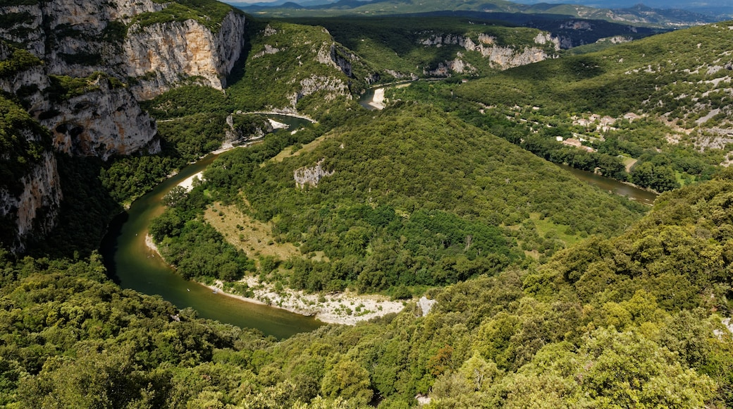 """Photo """"National Nature Reserve Gorges of the Ardèche"""" by KimonBerlin (CC BY-SA) / Cropped from original"""
