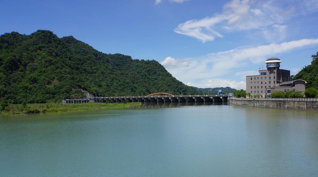 lienyuan lee (CC BY) 的「集集」相片 / 裁剪自原有相片