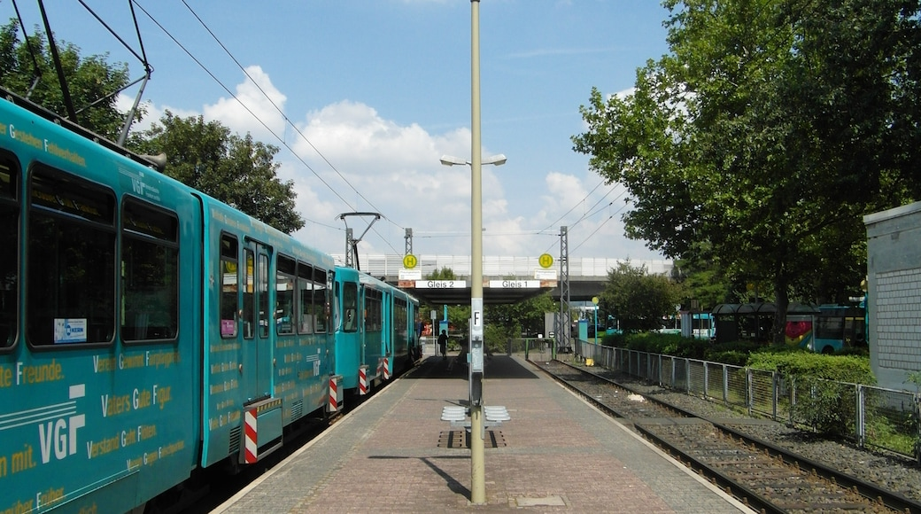 """Photo """"Frankfurt am Main Nord-Ost"""" by Ingolf (CC BY-SA) / Cropped from original"""