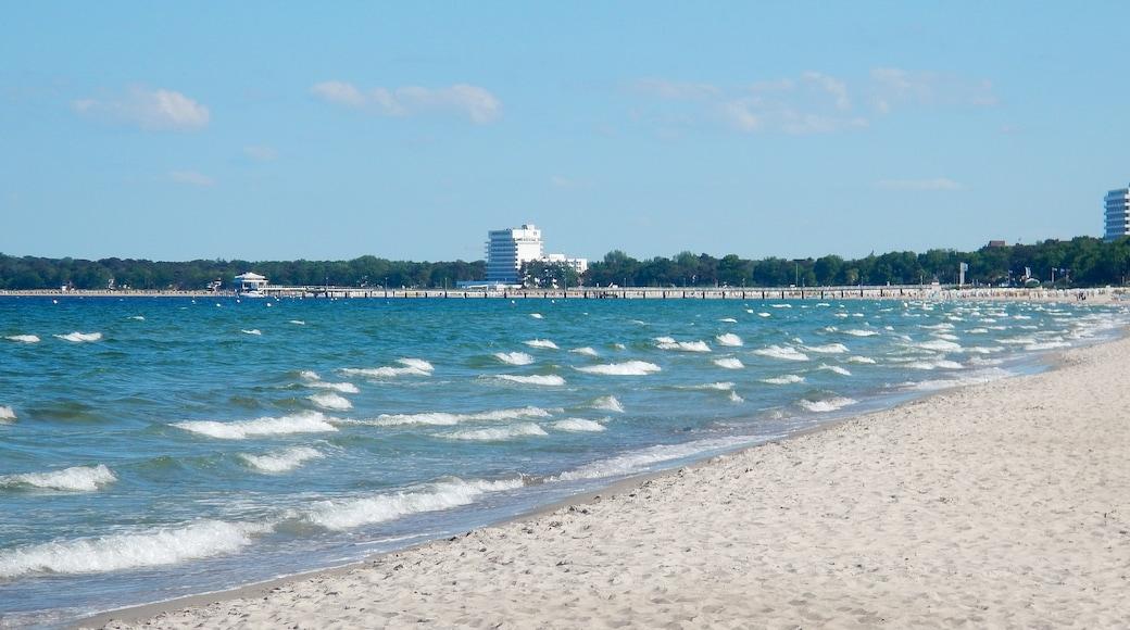 """Foto """"Strand Scharbeutz"""" von qwesy qwesy (CC BY)/zugeschnittenes Original"""