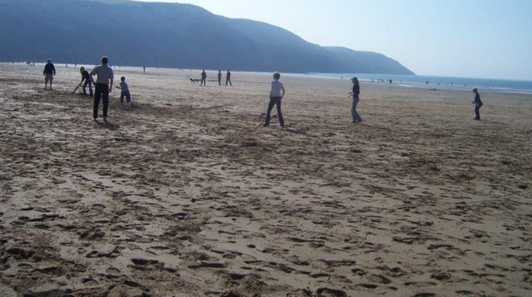 """Photo """"Putsborough Sands"""" by Lewis Clarke (CC BY-SA) / Cropped from original"""