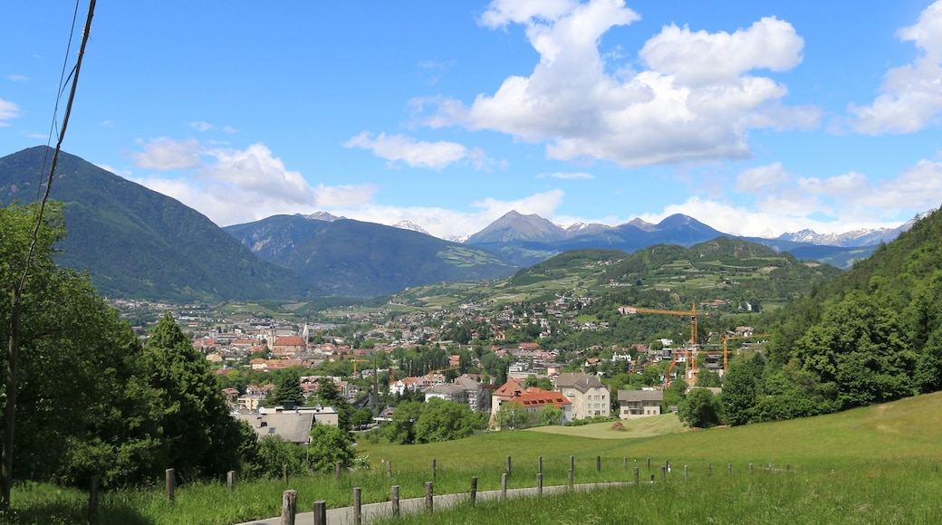 "Foto ""Sant'Andrea in Monte"" von SBT (CC BY-SA)/zugeschnittenes Original"