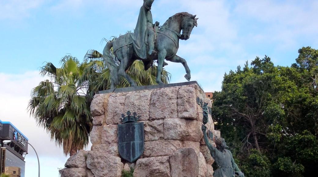 "Foto ""Plaza de España"" de Николай Максимович (CC BY) / Recortada de la original"