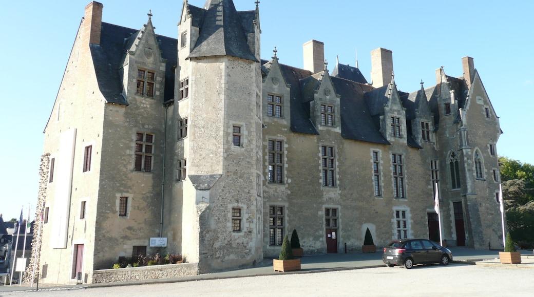 «Chateau de Bauge», photo de Kormin (CC BY-SA) / rognée de l'originale