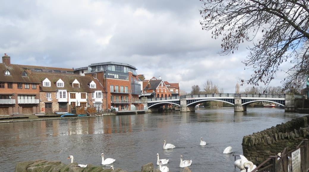 """Photo """"Windsor Bridge"""" by David Short (CC BY) / Cropped from original"""