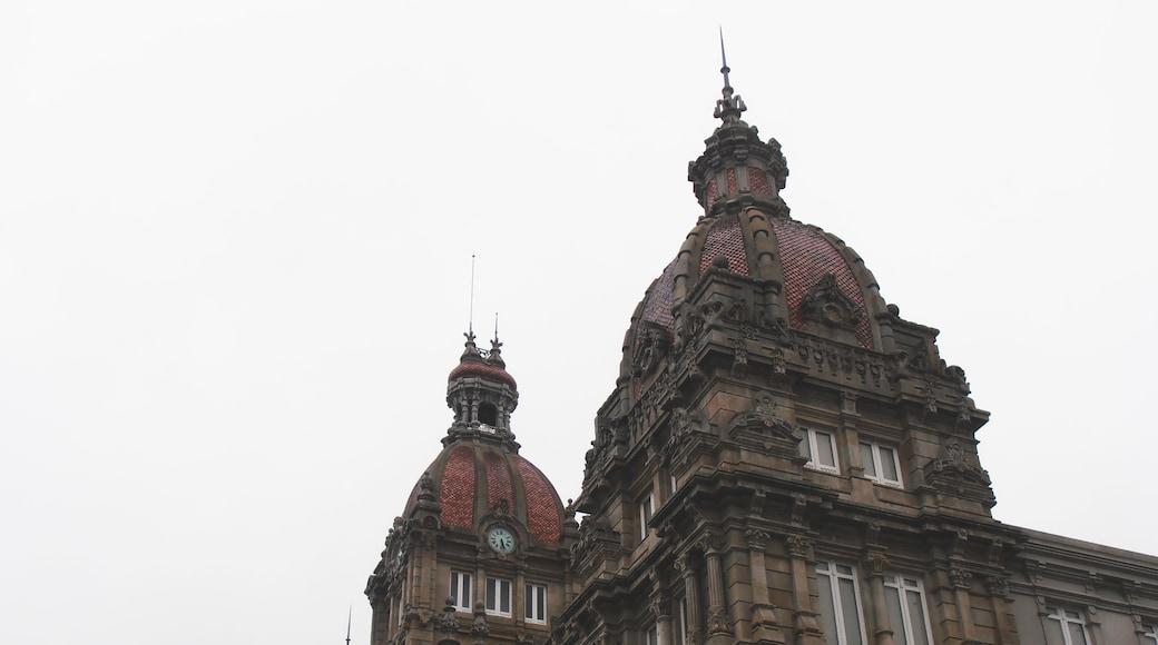 """Foto """"Centro histórico de La Coruña"""" de isol (CC BY-SA) / Recortada de la original"""