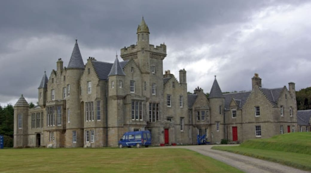 """Photo """"Balfour Castle"""" by Stephen McKay (CC BY-SA) / Cropped from original"""