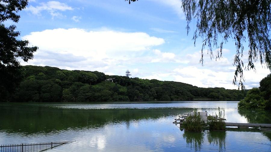 "Photo ""Yamada ike (Pond), Hirakata, Osaka, Japan"" by Kansai explorer (Creative Commons Attribution 3.0) / Cropped from original"