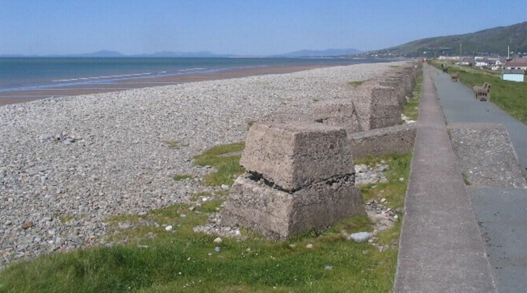 """Foto """"Fairbourne Beach"""" von E Gammie (CC BY-SA)/zugeschnittenes Original"""