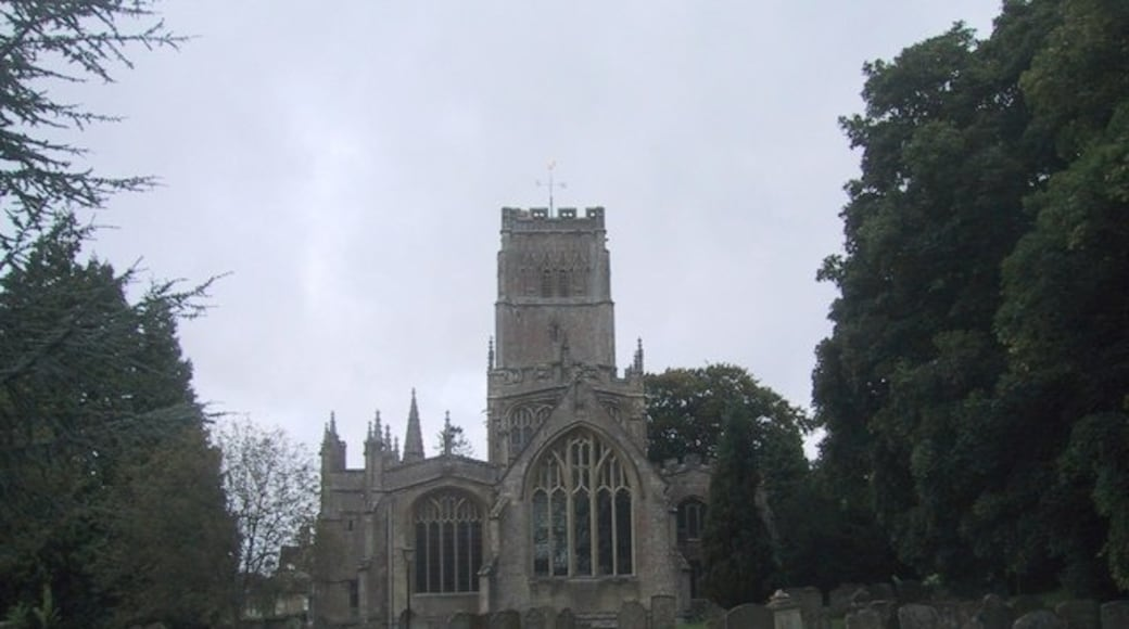 """Photo """"Northleach"""" by Sarah Charlesworth (CC BY-SA) / Cropped from original"""