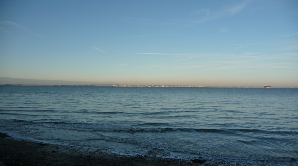 """Photo """"Seaview"""" by Arriva436 (CC BY-SA) / Cropped from original"""