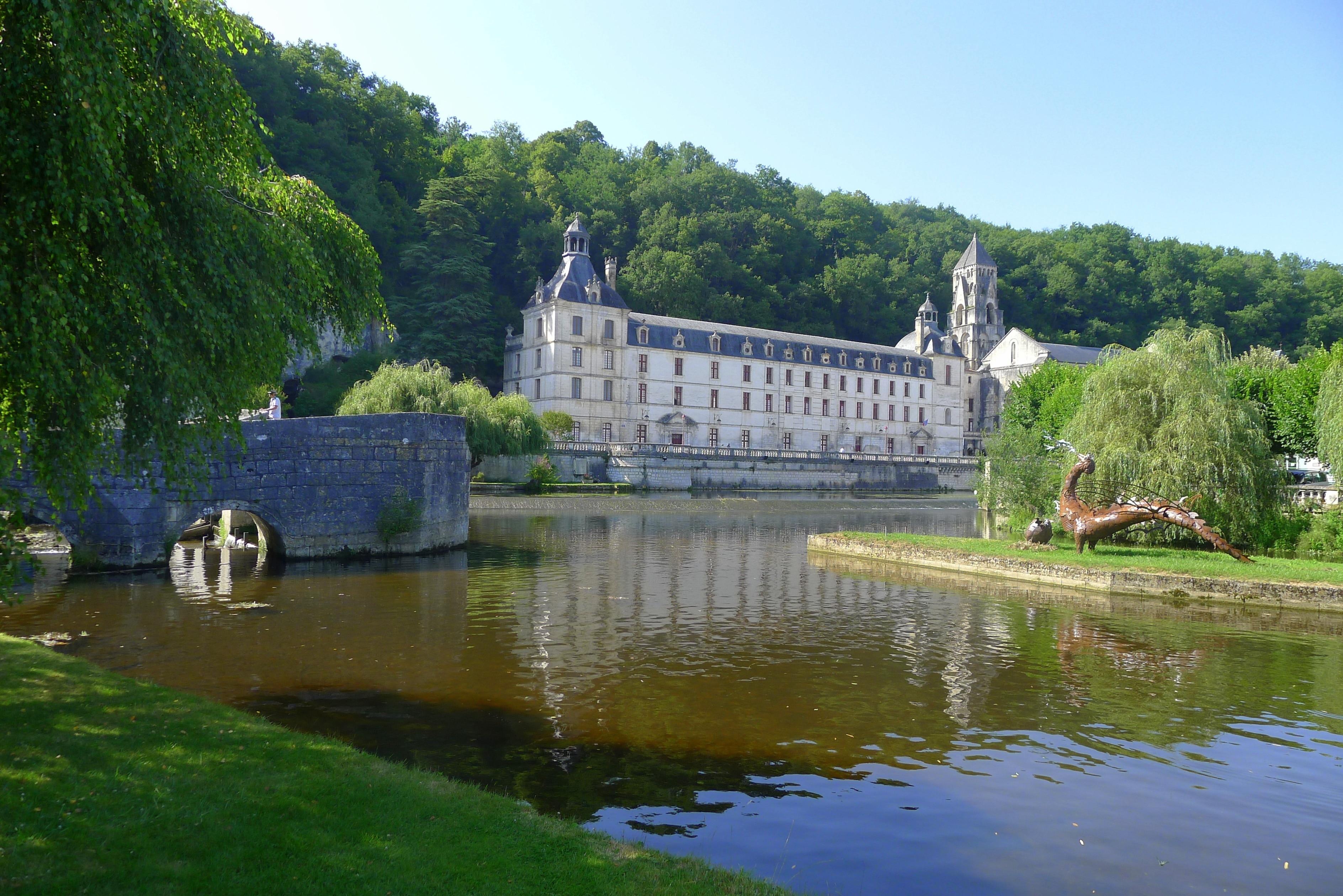 Brantome Abbey, Brantôme en Périgord, Dordogne, France