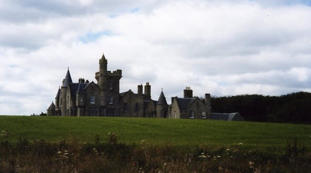 """Photo """"Balfour Castle"""" by Virginia Knight (CC BY-SA) / Cropped from original"""